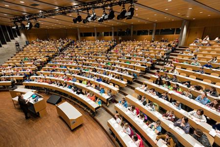 Kolumne: Eine Klasse von über 400 Primarschulkindern unterrichten – ist das ein Guinness World Record?
